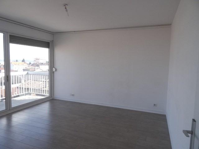 Location appartement Villefranche sur saone 611,42€ CC - Photo 4