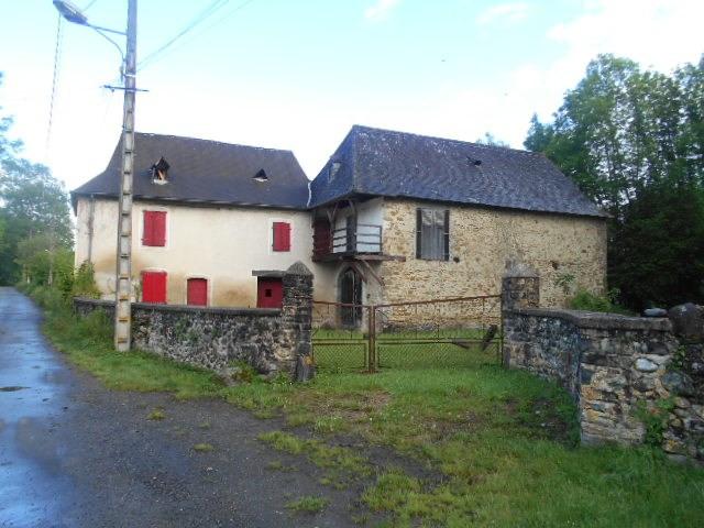 Sale house / villa Buziet 97200€ - Picture 1