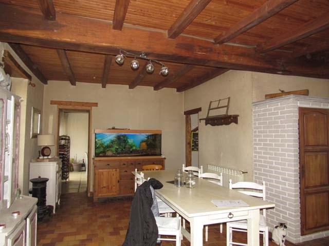 Sale house / villa Saint-jean-d'angély 254400€ - Picture 3