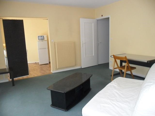 Rental apartment Saint-etienne 406€ CC - Picture 2