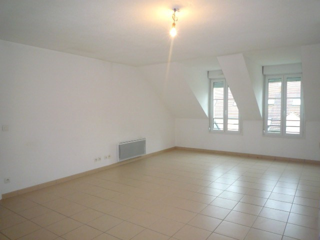 Rental apartment Pomponne 1 320€ CC - Picture 3