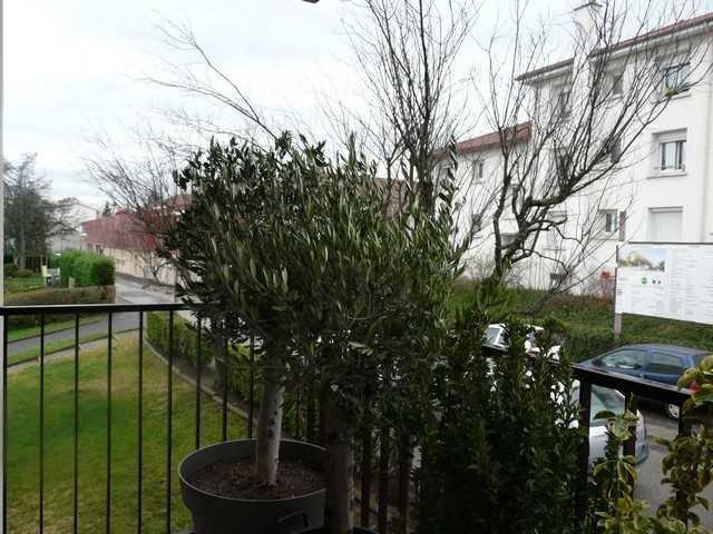 Vente appartement Saint-genest-lerpt 119000€ - Photo 1