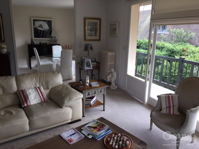 Sale apartment Deauville 328 000€ - Picture 1