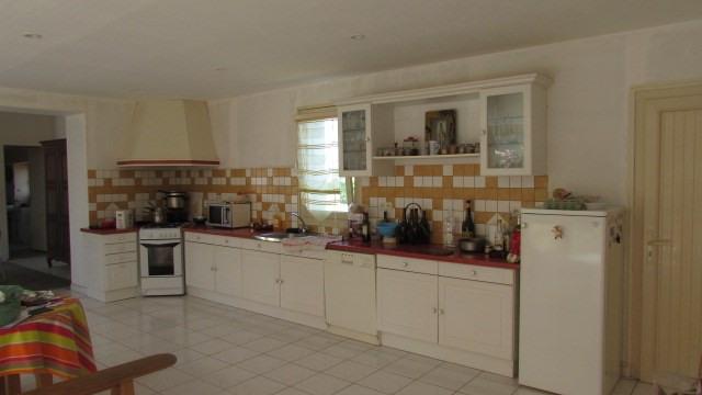 Sale house / villa Ballots 96500€ - Picture 2