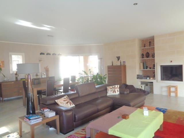 Sale house / villa Saint andre de cubzac 430000€ - Picture 4