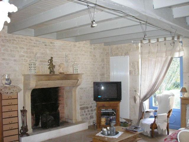 Sale house / villa Saint jean d'angely 270080€ - Picture 5