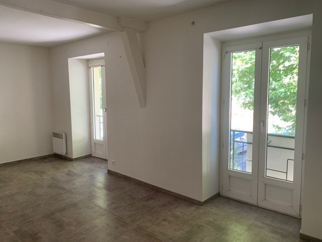Location appartement Laissac 430€ CC - Photo 1
