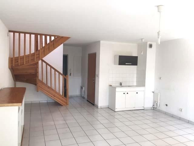 Rental apartment Villette d'anthon 750€ CC - Picture 2