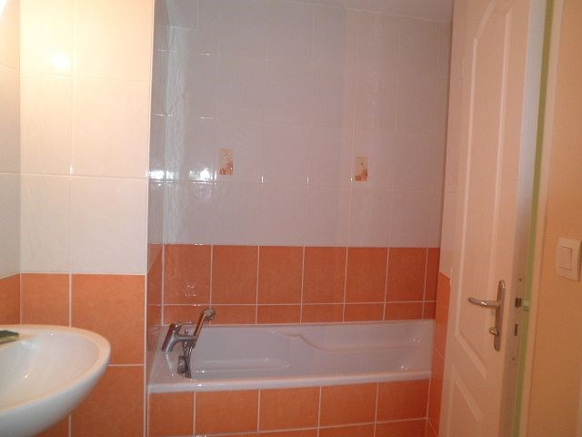 Rental apartment La verpilliere 538€ CC - Picture 2