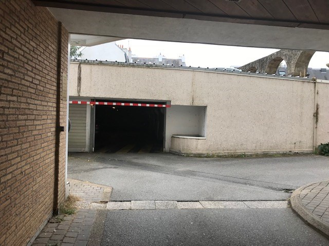 Location parking Vannes 100€ CC - Photo 2