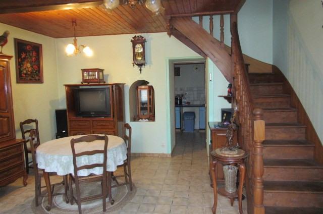 Sale house / villa Saint-savinien 105450€ - Picture 2