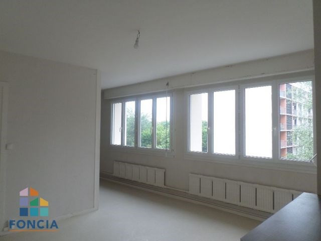 Sale apartment Bourg-en-bresse 149000€ - Picture 2