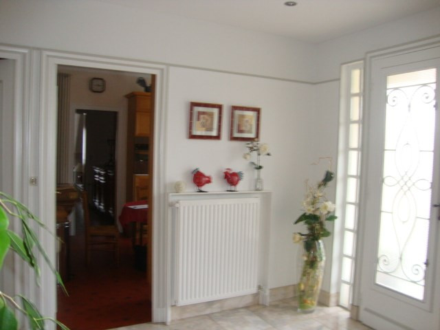 Sale house / villa Saint-jean-d'angély 274 300€ - Picture 3