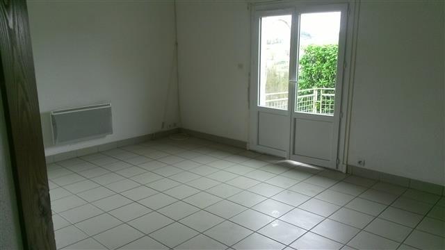 Rental house / villa St victor sur rhins 458€ CC - Picture 3