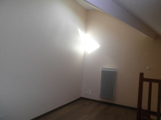 Rental apartment La verpilliere 538€ CC - Picture 3