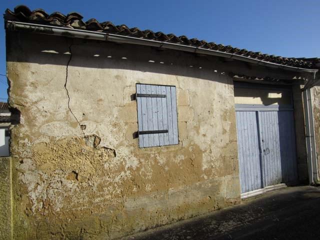 Sale house / villa Saint jean d'angely 22500€ - Picture 2