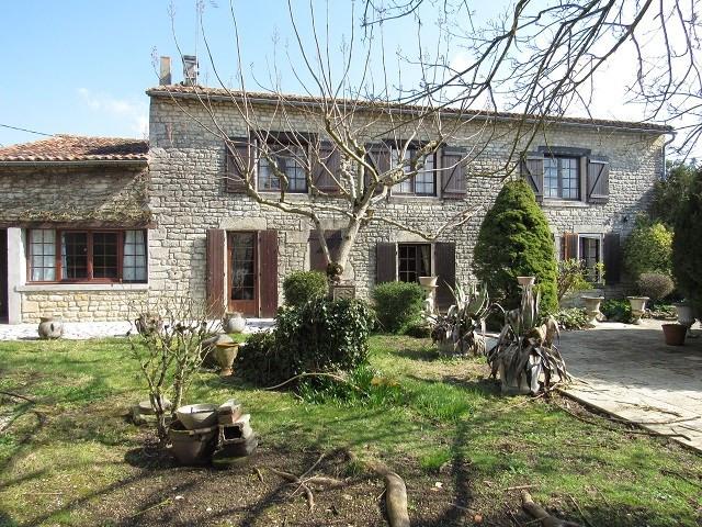 Sale house / villa Aulnay 138000€ - Picture 1