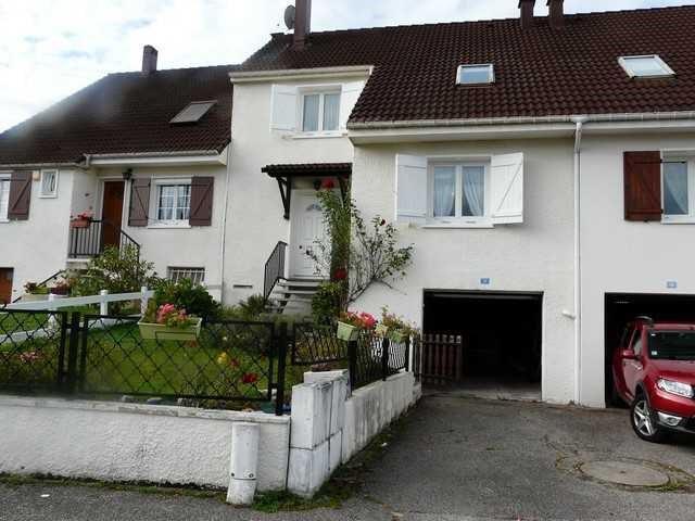 Sale house / villa Chambon-feugerolles (le) 149000€ - Picture 1