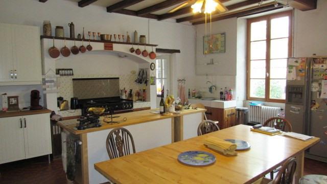 Sale house / villa Saint jean d'angely 233200€ - Picture 4