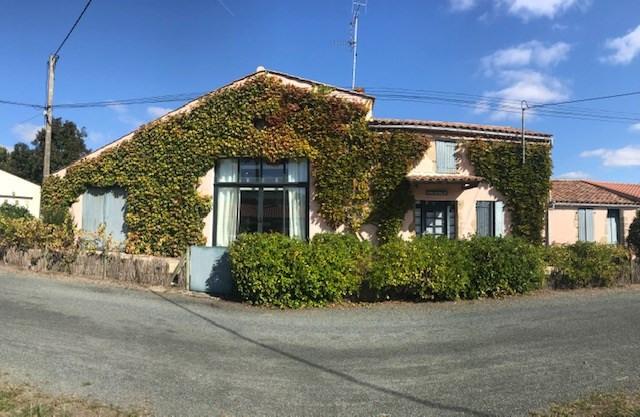 Sale house / villa Le girouard 336500€ - Picture 1