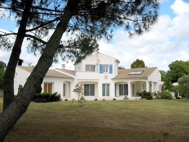 Deluxe sale house / villa Etaules 630000€ - Picture 1