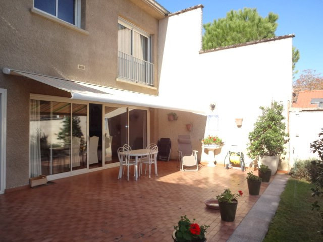 Sale house / villa Grenade 365 750€ - Picture 1