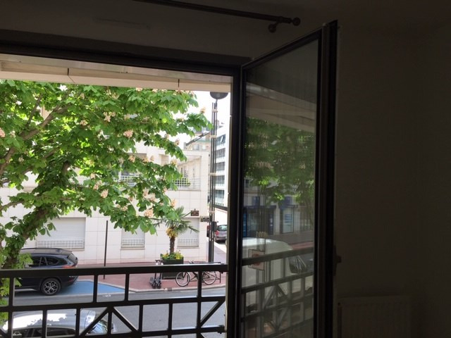 Location appartement Levallois perret 1290€ CC - Photo 3