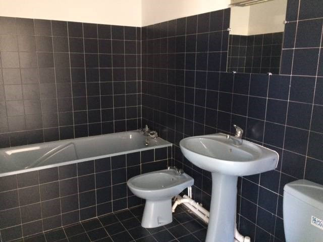 Location appartement Les angles 520€ CC - Photo 4