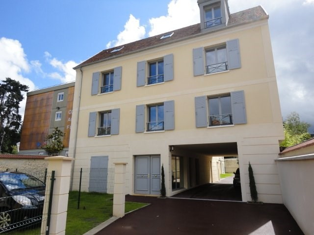 Rental apartment Orsay 856€ CC - Picture 1