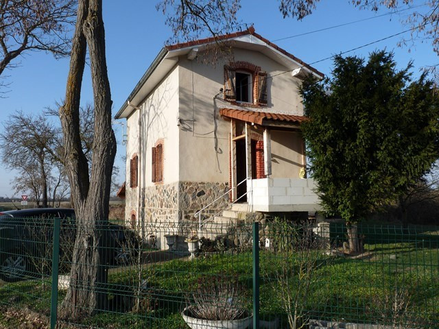 Sale house / villa Grezieux-le-fromental 149000€ - Picture 1