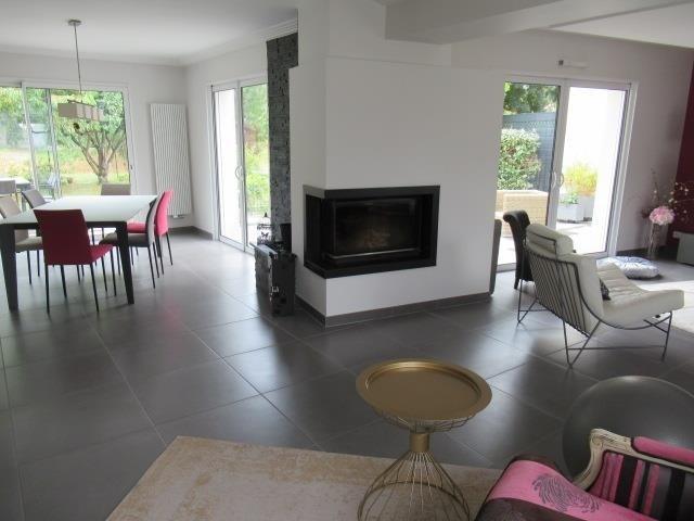 Vente maison / villa Beaucouze 388500€ - Photo 2