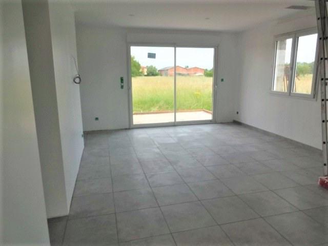Rental house / villa Saint-jory 790€ CC - Picture 2