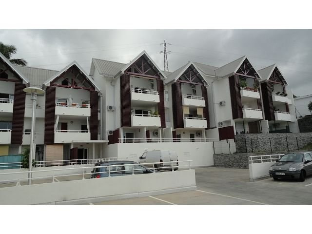 Location appartement Ste clotilde 370€ CC - Photo 4