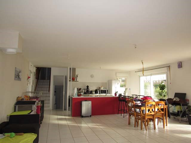 Vente maison / villa Saint-savinien 212 000€ - Photo 3