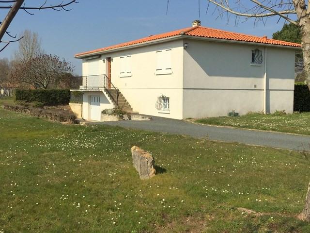 Location maison / villa Fontcouverte 788€ CC - Photo 1
