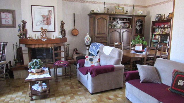 Vente maison / villa Loulay 222 600€ - Photo 3