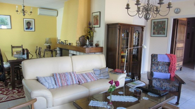 Sale house / villa St jean d'angely 201 400€ - Picture 4