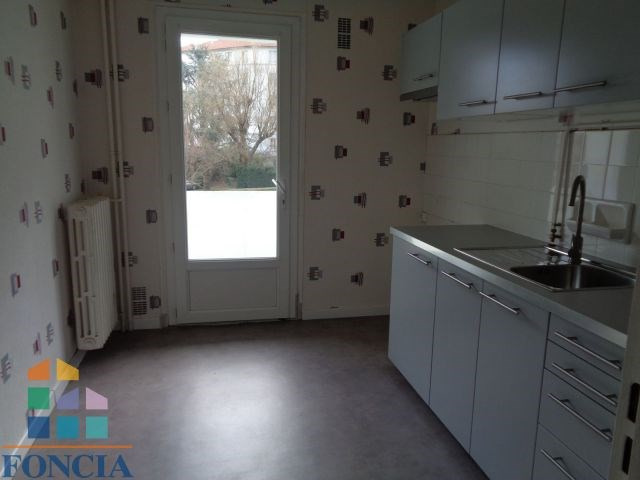 Location appartement Saint-étienne 440€ CC - Photo 5