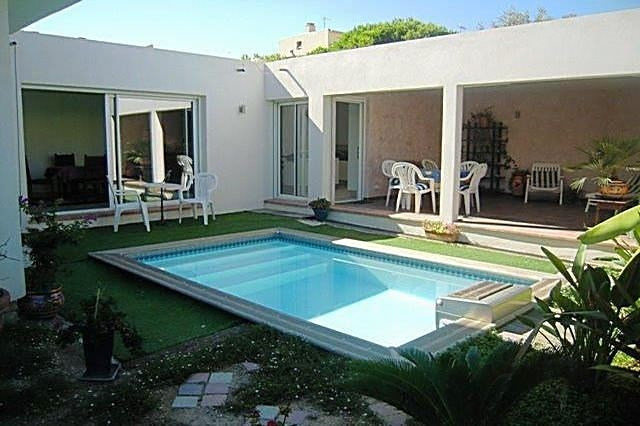 Deluxe sale house / villa Antibes 1 150 000€ - Picture 1