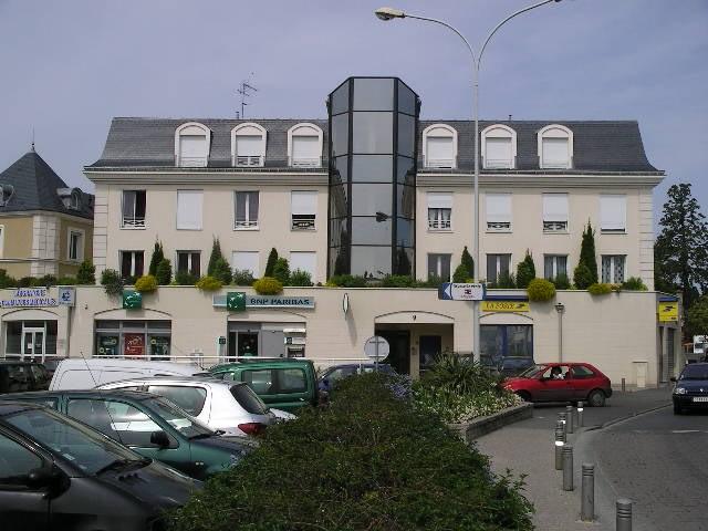 Location appartement Crosne 895€ CC - Photo 1