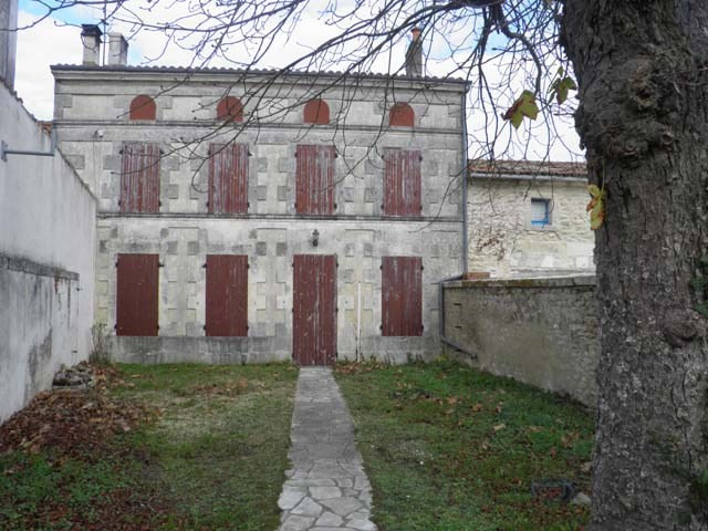 Sale house / villa Saint jean d'angely 57150€ - Picture 1