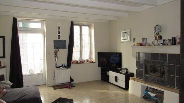 Sale house / villa Saint-jean-d'angély 122 250€ - Picture 1