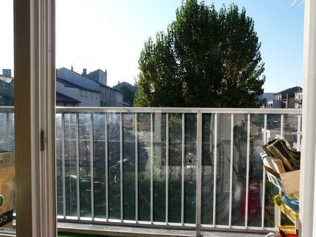 Revenda apartamento Saint-genest-lerpt 134000€ - Fotografia 7