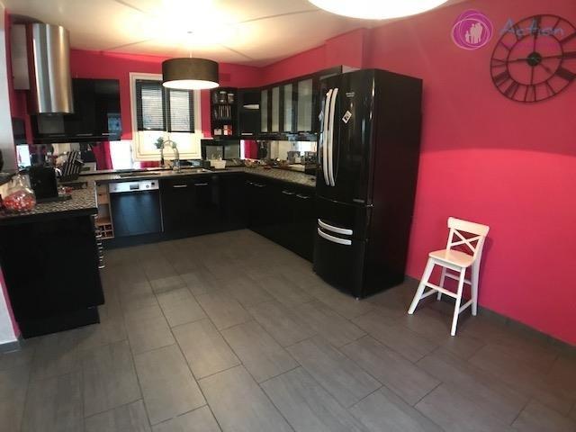 Sale house / villa Lesigny 465000€ - Picture 2