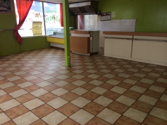Location local commercial Lisieux 750€ HT/HC - Photo 5