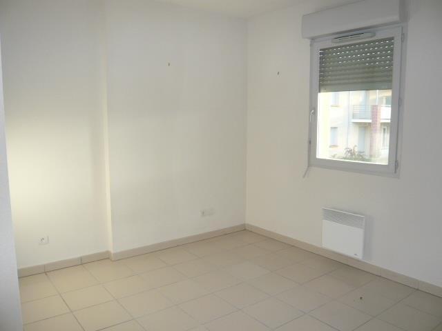 Rental apartment St lys 425€ CC - Picture 1