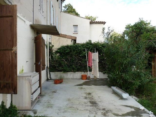 Investment property house / villa Aubagne 110 000€ - Picture 2