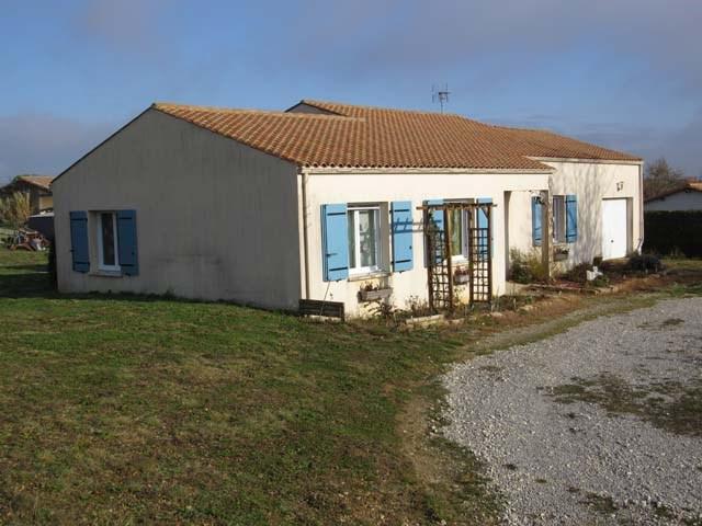 Sale house / villa Tonnay-boutonne 153750€ - Picture 1
