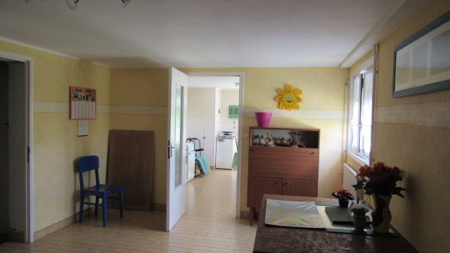 Vente maison / villa St jean d'angely 190 800€ - Photo 6