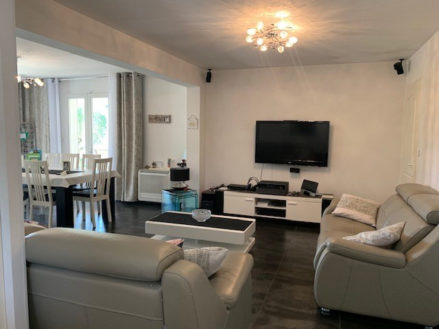 Deluxe sale house / villa Cabries 685000€ - Picture 7